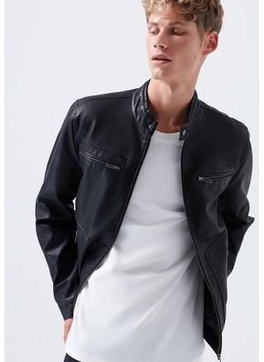 Mavi Ceket Siyah